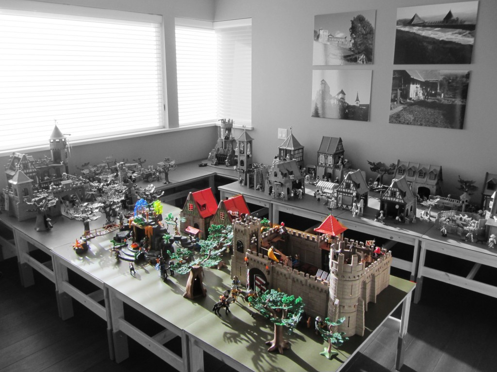 Building Project Gallery: Medieval Play World – Black Lion Castle & Ancient Temple
