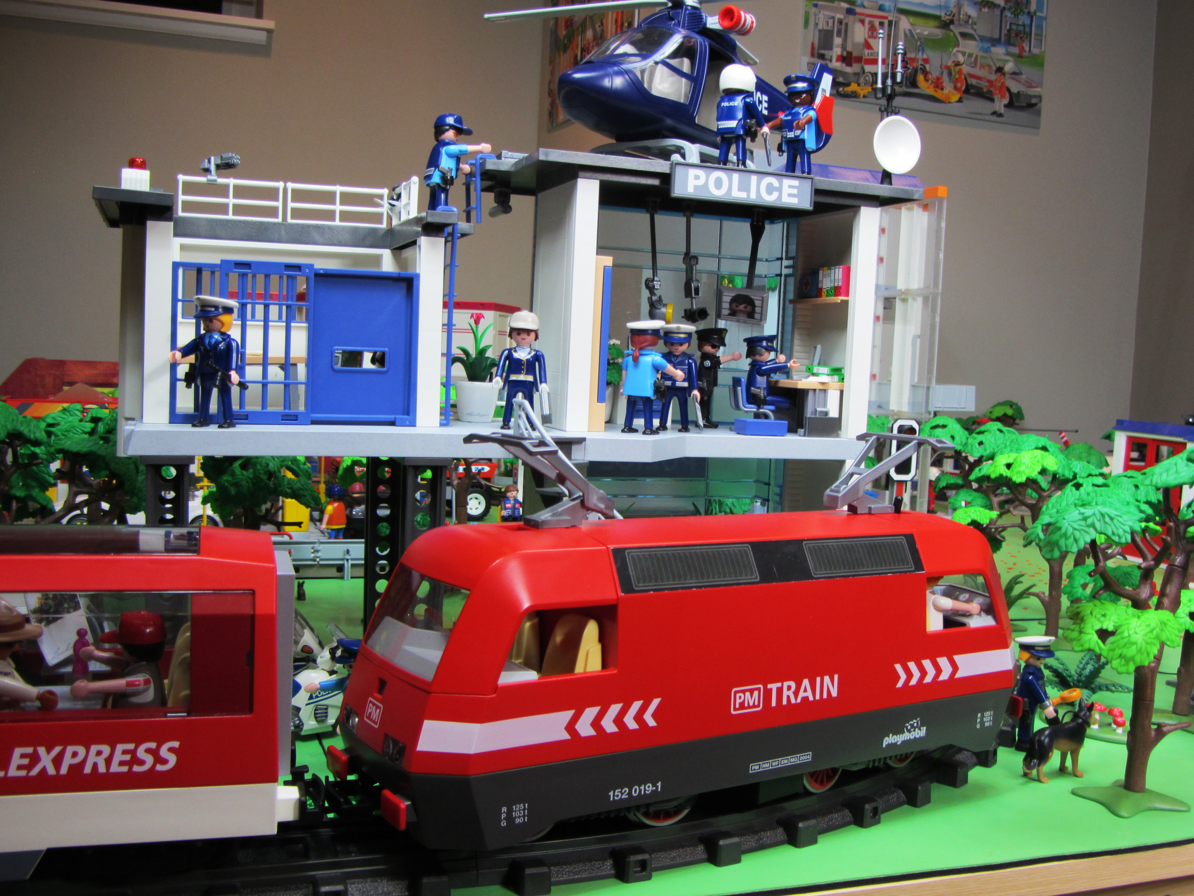 Building Project Gallery: Playmobil City Life